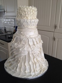 Linda's Pipedream cakes
