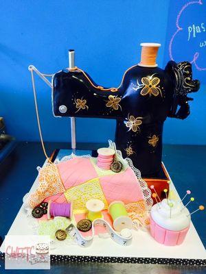 Medium_sewing-machine