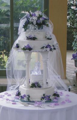 Medium_bridal-veil-cake