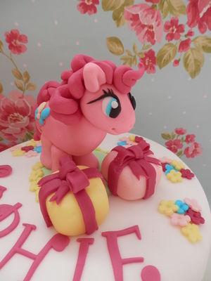 Medium_sophies-cake-008