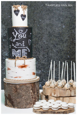 Medium_taartjes-van-an-nunspeet-bruidstaart-chalkboard-bruidstaart-harderwijk-bruidstaart-nunspeet-bruidstaart-gelderland