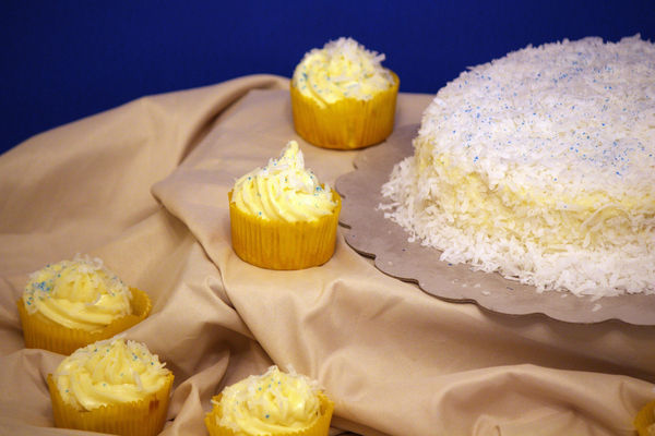 Medium_coconut-cake-3