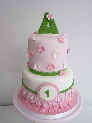Medium_amelias-cake-web