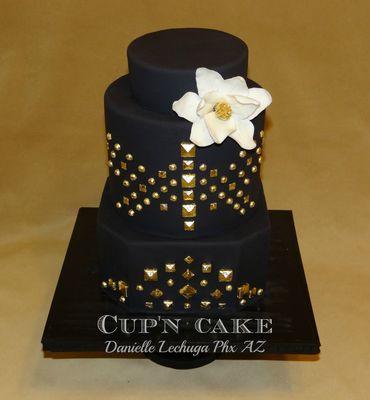 Medium_edgy-elegant-punk-rock-wedding-cake-watermarked-2