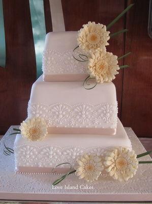 Medium_love-island-cakes