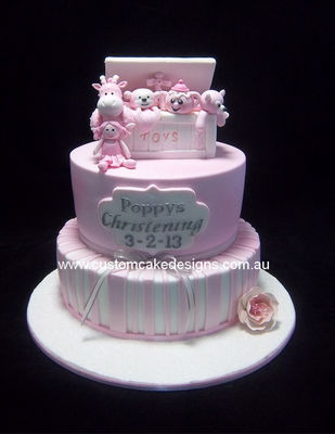 Medium_pink-toybox-christening-cake