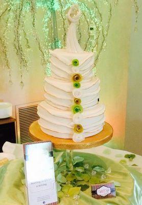 Medium_unique-wedding-cake