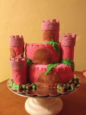Medium_emmas-1st-bday-princess-castle-2