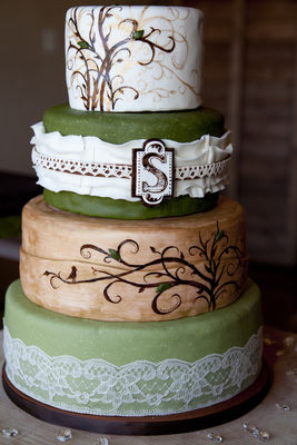 Medium_sarahs-wedding-cake-1