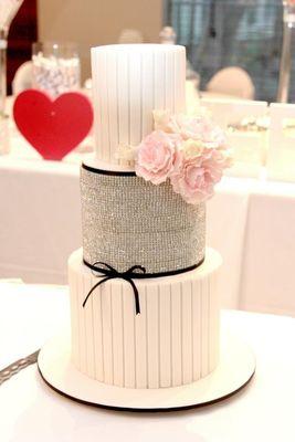 Medium_sandra_s-cake