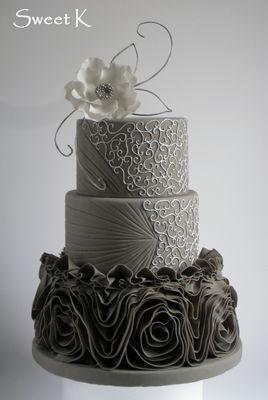 Medium_ruffle_cake1