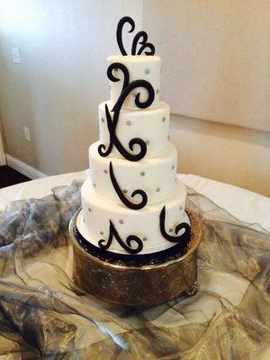 Medium_fun-wedding-cake