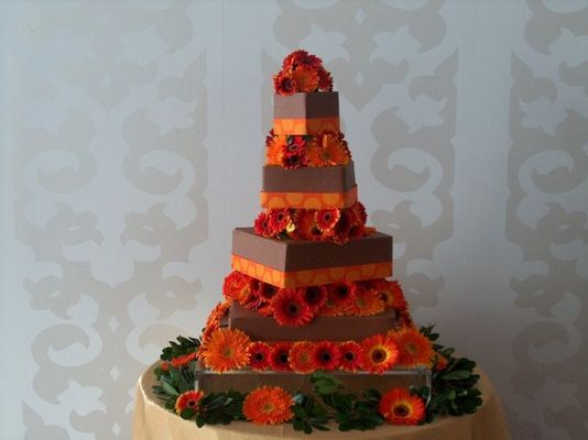 Medium_w-chocolate-w-orange-gerberas