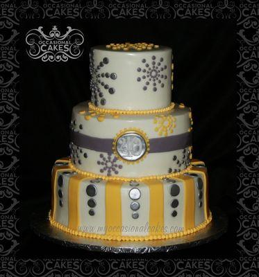 Medium_wm-yellow--gray-dots-cake