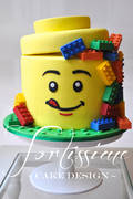 Card_premium_lego-man-head-cakewmrs