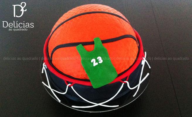 Medium_delicias-ao-quadrado-cake-design-basketball-01
