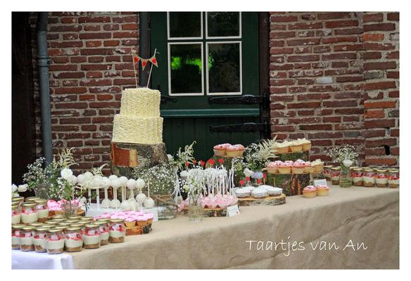 Medium_taartjes-van-an-nunspeet-sweet-table-bruidstaart-weddingcake-vintage