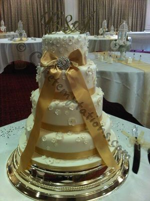 Medium_4-tier-romantic-wedding-cake
