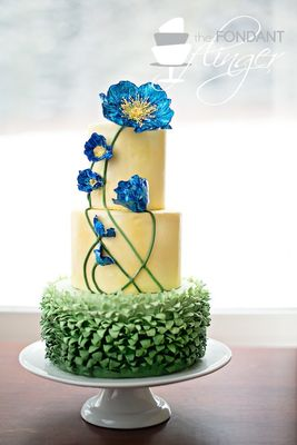 Medium_fondant-flinger---blue-poppy-flower-cake-1