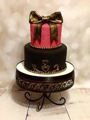 Medium_pink-and-black-cake