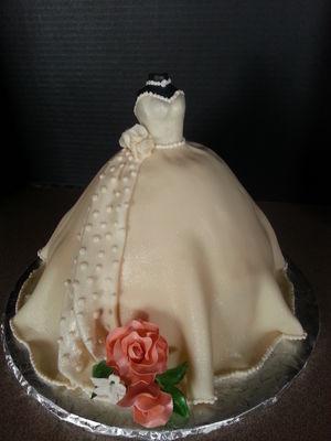 Medium_bridal-gown-cale