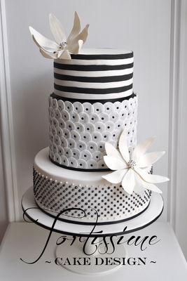Medium_zara-wedding-cakewm