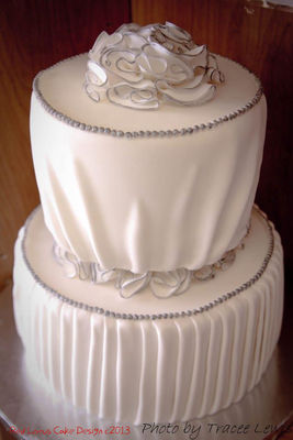 Medium_fake-wedding-cake_wm