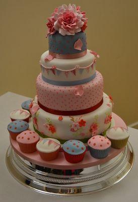 Medium_sarah-wedding-cake