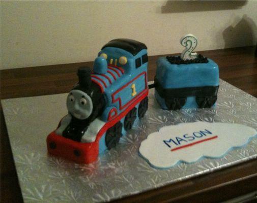 Medium_thomas_cake