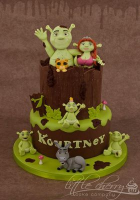 Medium_shrek-cake