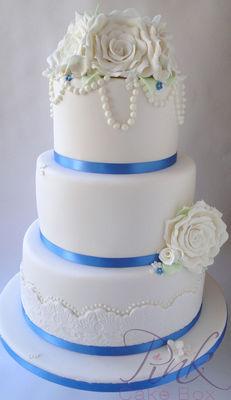 Medium_cornflower-blue-rose-wedding-cake