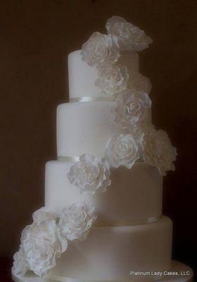 Medium_platinum-lady-cakes-30