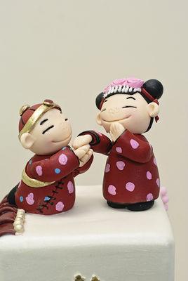 Medium_2012-06-15-chinese-doll-figurines