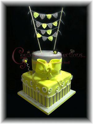 Medium_yellow--grey-reveal-cake