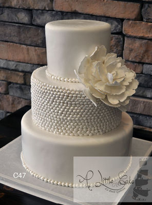 Medium_fondant-wedding-cake-c48