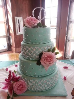 Medium_tiffany-blue-wedding-cake