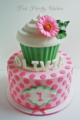 Medium_base_olivia-1st-birthday-i