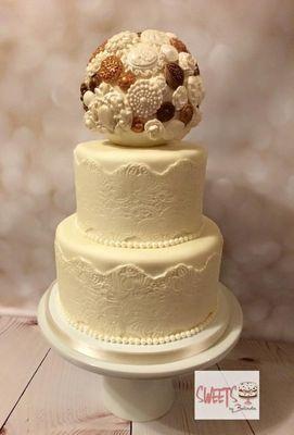 Medium_vintage-wedding-cake