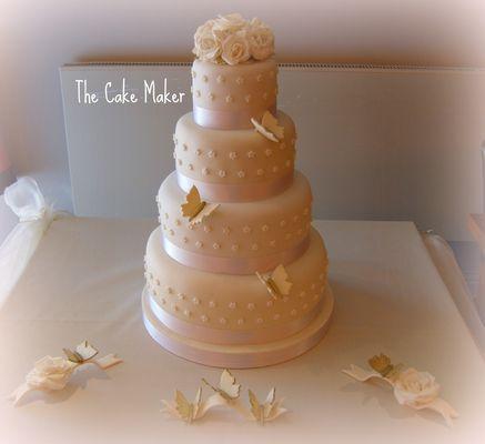 Medium_alex-and-pauls-wedding-cake