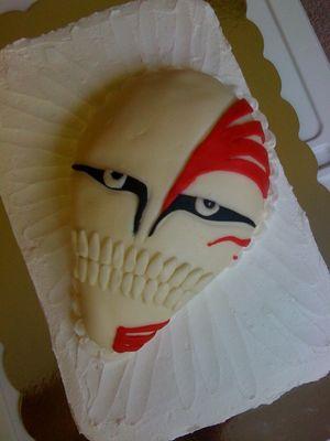 Medium_bleach---hollow-mask-cake