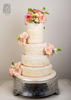 Medium_121216-caras-wedding-cake