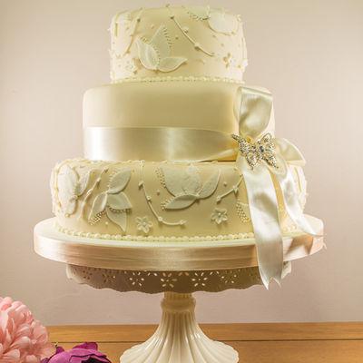 Medium_leaf-wedding-cake-1