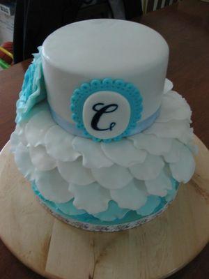 Medium_blue-ruffled-petal-cake