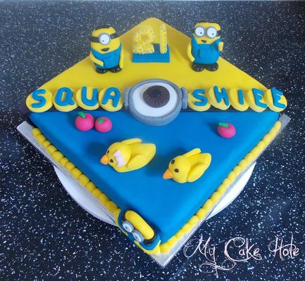 Medium_minion-cake