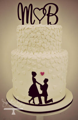 Medium_michael--belinda-engagement-cake
