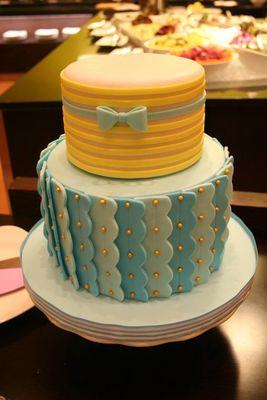 Medium_scalloped-cake---lukas-christening-cake