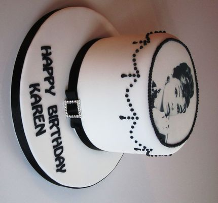 Medium_audrey-hepburn-cake