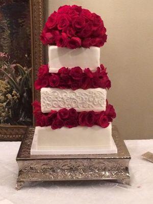 Medium_wedding-cake-rose